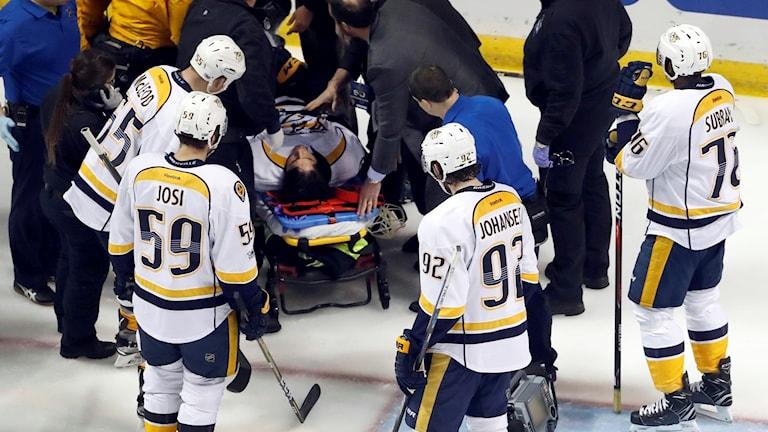 Kevin Fiala skadad.