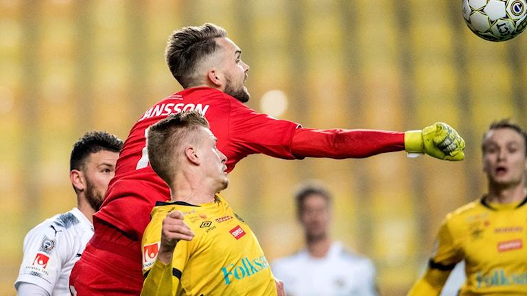 Örebromålvakten Oscar Jansson.