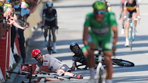 John Degenkolb, Tyskland och britten Mark Cavendish efter kraschen på fjärde etappen