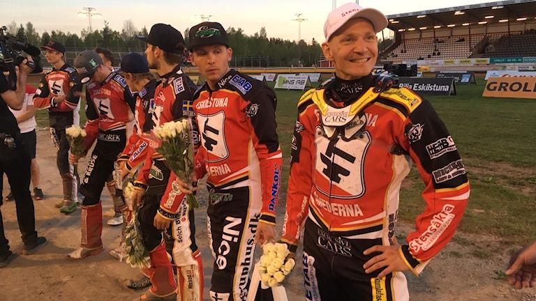 Fredrik Lindgren (längst till höger) avgjorde en dramatisk elitseriepremiär.