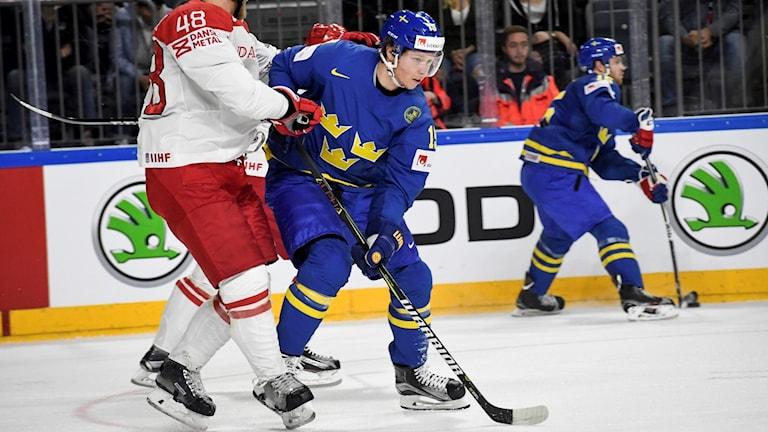 Nicklas Bäckström fanns med redan mot Danmark i söndags.