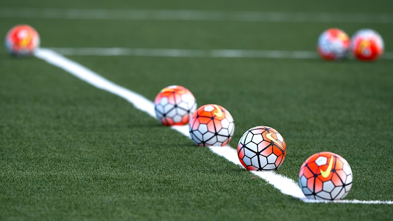 Fotbollar.