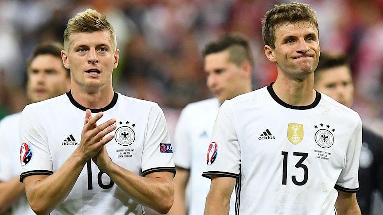 2016 EM tyskarna Toni Kroos och Thomas Müller