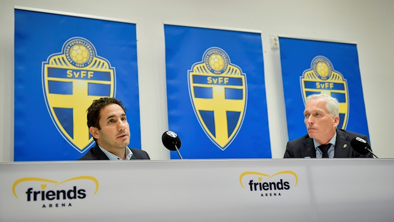 Civilminister Ardalan Shekarabi och Svenska fotbollförbundets generalsekreterare Håkan Sjöstrand