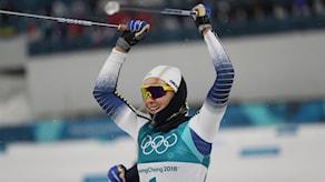 Stina Nilsson firar sitt OS-guld