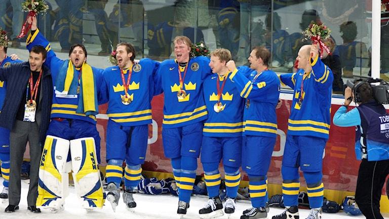 OS 2006 Tre Kronor jublar. Foto: Lars Pehrson  / TT