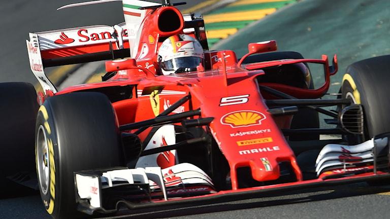 """Sebastian Vettel och hans """"Gina""""."""