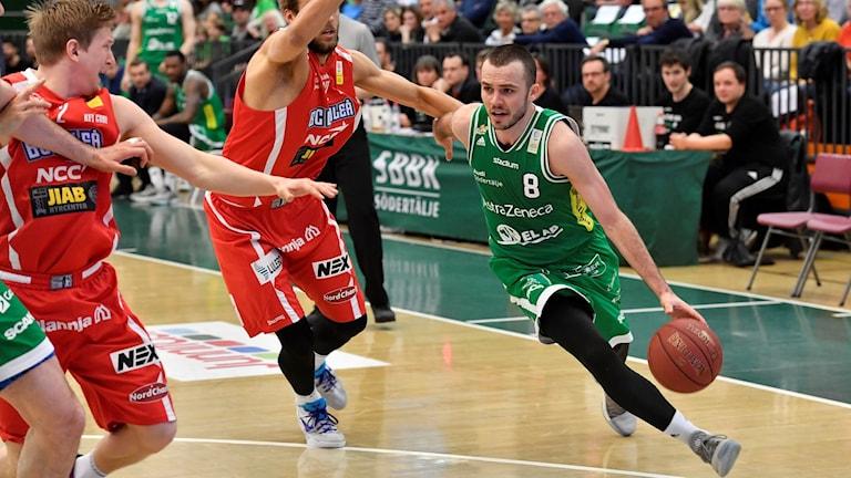 Södertälje och Davis Lejasmeiers reducerade i finalserien.