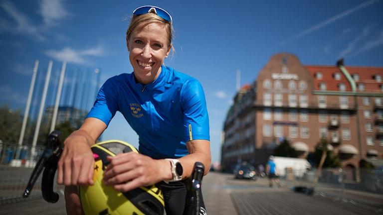 MALMÖ 2018-08-03 Lisa Nordén, tränar inför helgens Malmö Triathlon vid packhuskajen i Malmö. Foto: Andreas Hillergren / TT