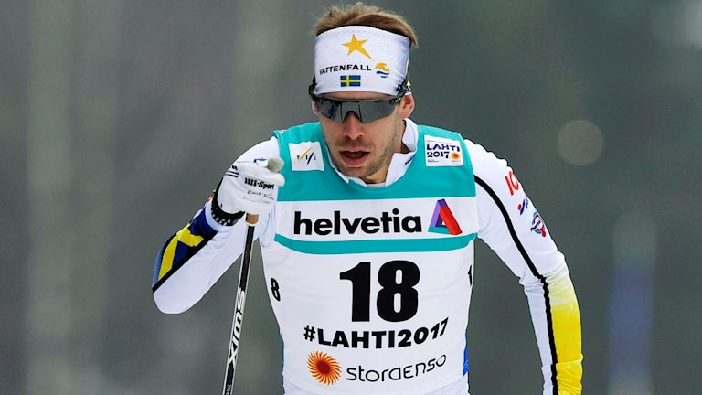 Längdskidåkaren Emil Jönsson i spåret.