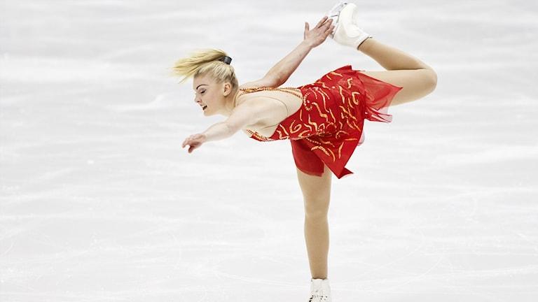 Joshi Helgesson är besviken över sina prestationer på tävling, men gläds med Matilda Algotsson.