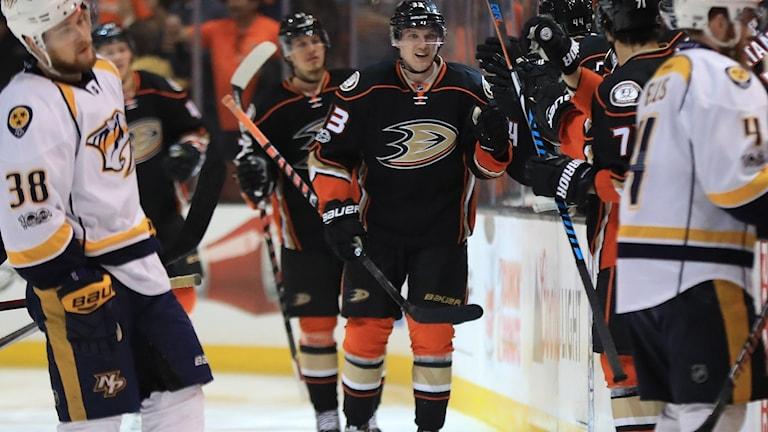 Jakob Silfverberg och hans Anaheim kvitterade i semifinalserien.