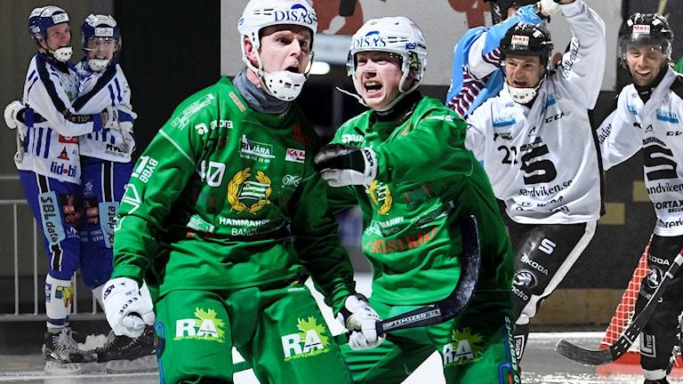 Collagebild på spelare i Villa, Hammarby och Sandviken.