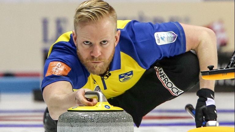 Niklas Edin svenska curlinglandslag inledde EM på ett bra sätt.