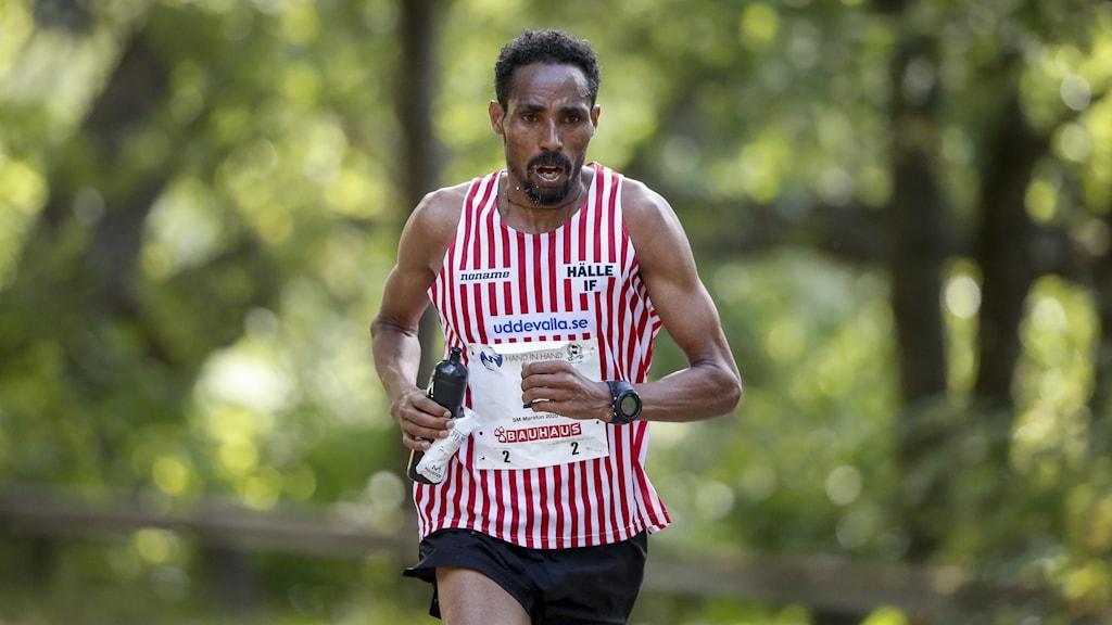 STOCKHOLM 20200905 Samuel Tsegay, Hälle IF, under herrarnas SM i maraton i Stockholm på lördagen. Foto: Stefan Jerrevång / TT