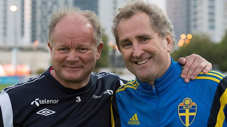 Högmo avgår. Hamrén ryktas bli ny förbundskapten för Norge.