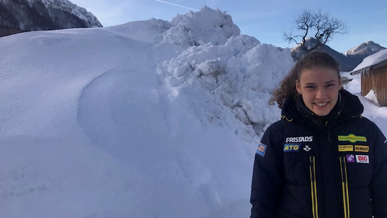 Hanna Öberg bland snömassor i Ruhpolding.
