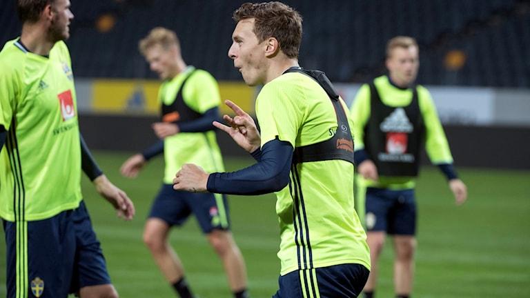 Victor Nilsson Lindelöfs debut med Manchester United är avklarad.