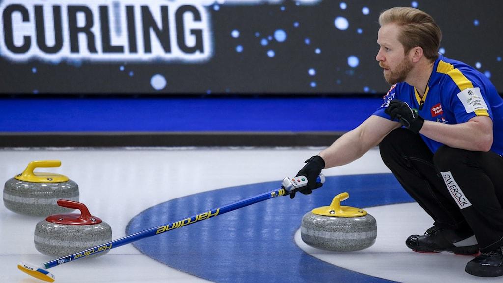 Lag Niklas Edin har hittat formen på Curling-VM i Kanada.