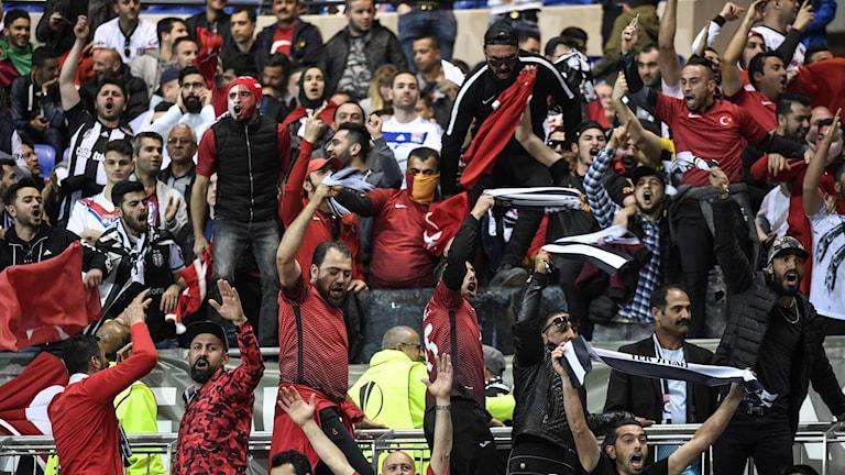 Lyon och Besiktas straffas av Uefa