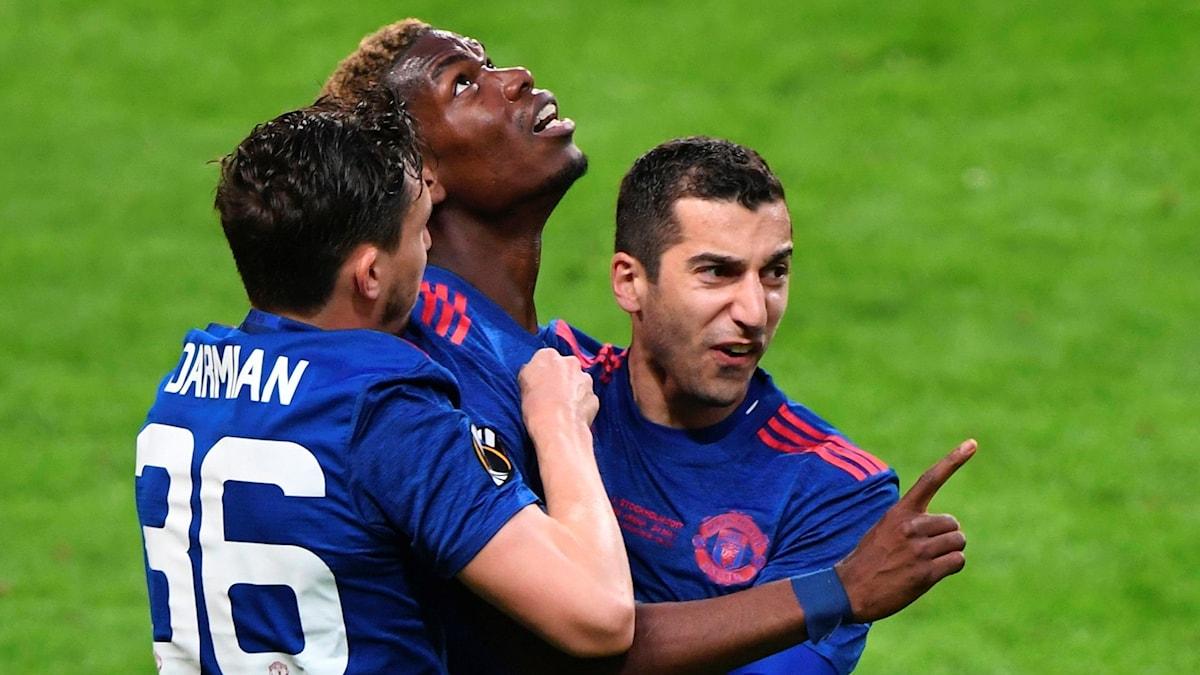 Pogba gör 1-0 för United.