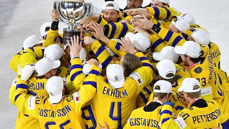 Tre Kronor fick fira VM-guld i Köpenhamn.