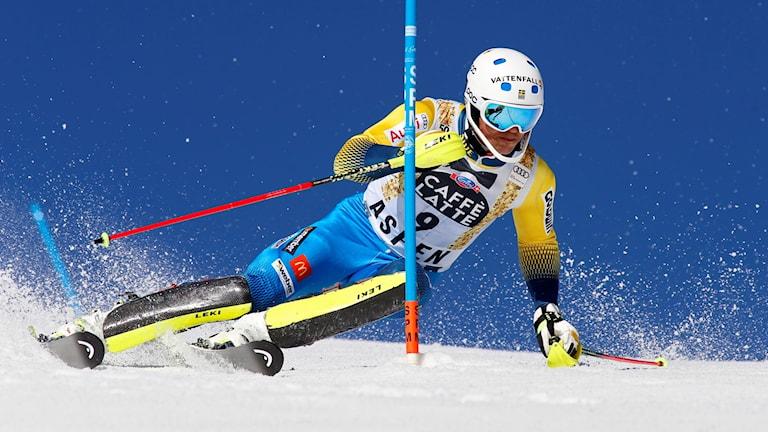 André Myhrer i första åket i slalomen i Aspen.