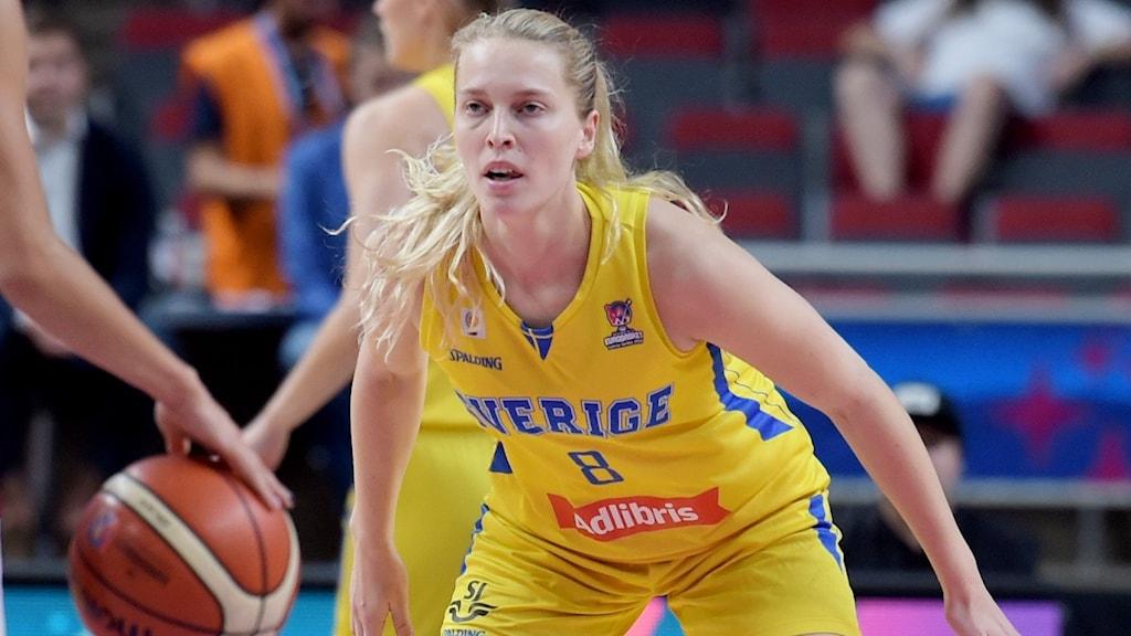 RIGA 20190701 Sveriges Ellen Nyström under måndagens åttondelsfinal i basket-EM mellan Sverige och Lettland på Arena Riga. Foto: Ieva Makare/LETA / TT /