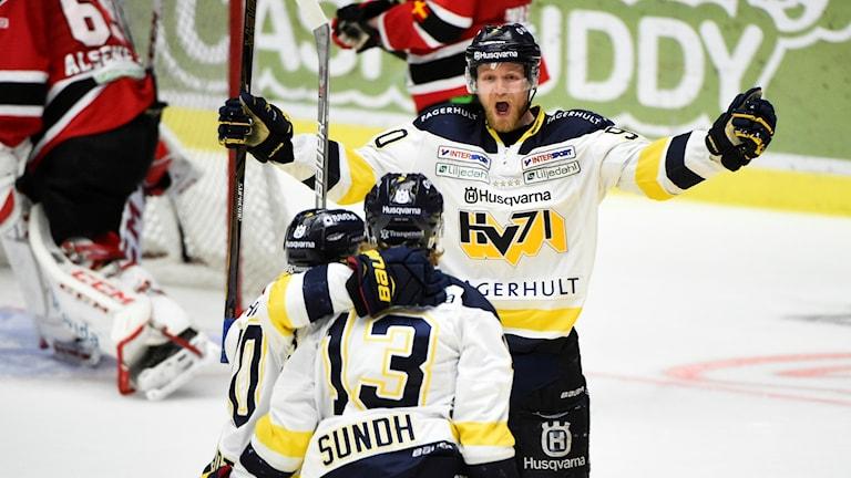 HV71-jubel efter mål i Malmö.