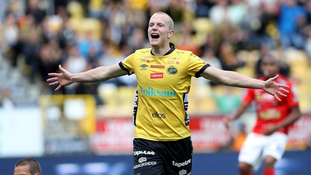 Daniel Gustavsson jublar mot Falkenberg.