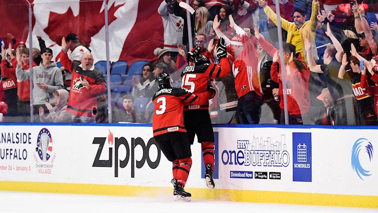 Det blir Kanada mot Sverige i JVM-finalen.