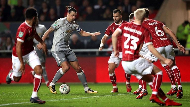 Zlatan Ibrahimovic och Manchester United är utslagna ur ligacupen.