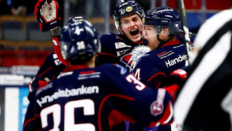 Linköping firar ett mål i kvartsfinalen förra säsongen.