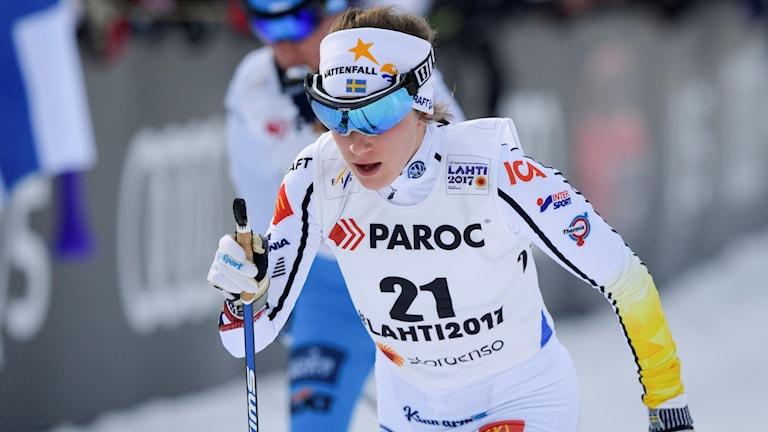 Ebba Andersson under skiathlon i VM i Lahtis.