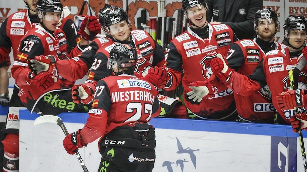 Malmös Ponthus Westerholm jublar efter sitt 3-0-mål mot Frölunda.