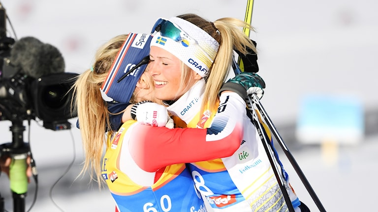 Frida Karlsson (th) och Therese Johaug.