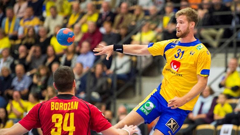 Viktor Östlund i landslagströjan.