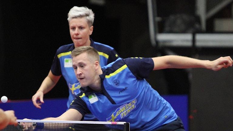 Mattias Falck och Matilda Ekholm missade chansen att på nytt ta medalj i bordtennis-EM. Nu blev det förlust i kvarten.