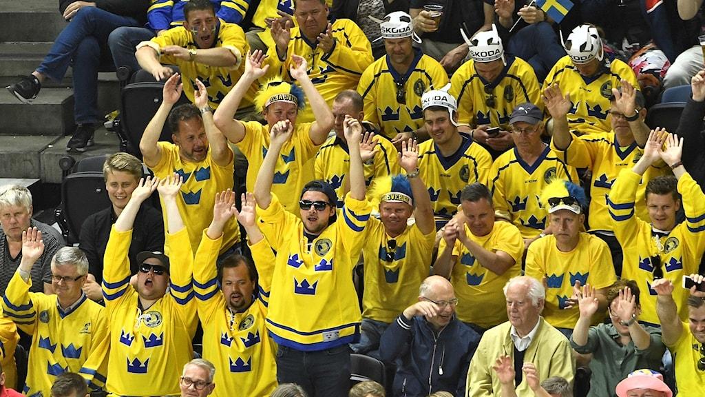 Svenska fans under hockey-VM. Arkivbild.