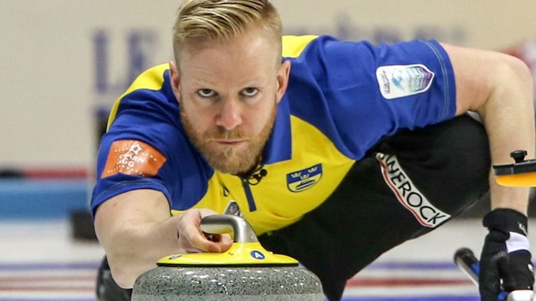 Skippern Niklas Edin.