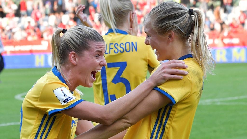 Olivia Schough och Magdalena Eriksson.