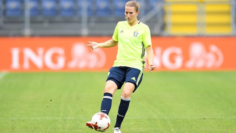 Emma Berglund under ett träningspass på Stadion Rat Verlegh