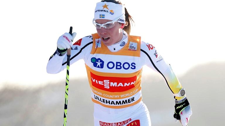 Charlotte Kalla toppar den totala ställningen på damsidan.