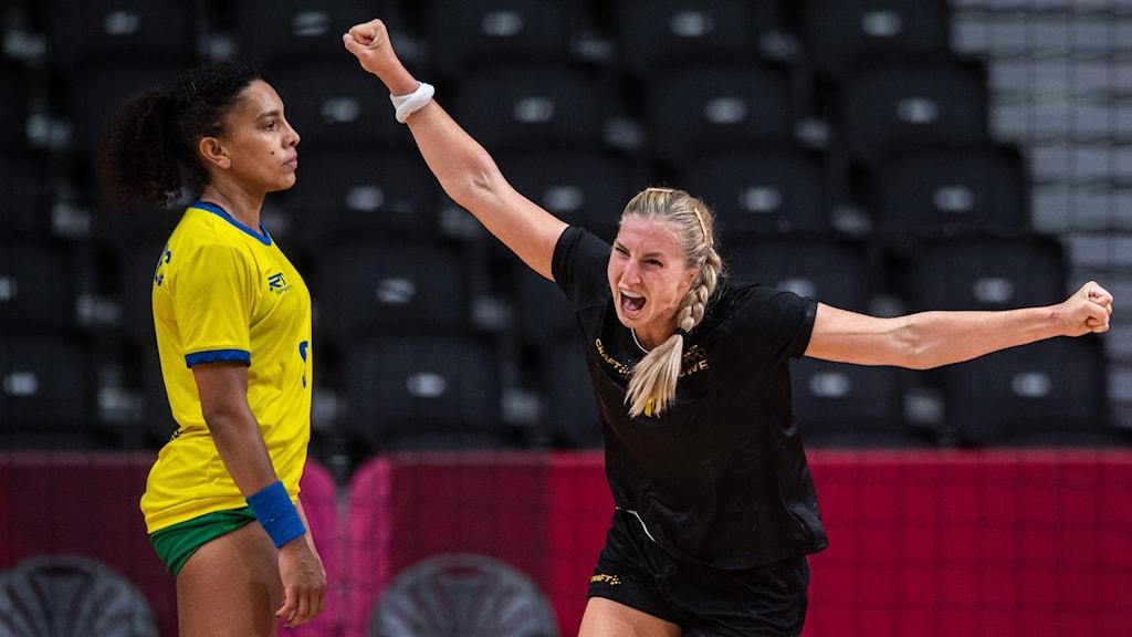 Sveriges handbollsdamer till kvartsfinal.