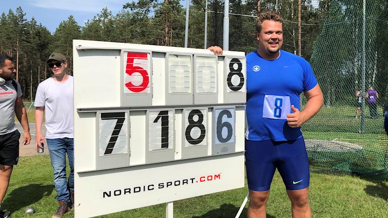 Daniel Ståhl med rekordnoteringen.