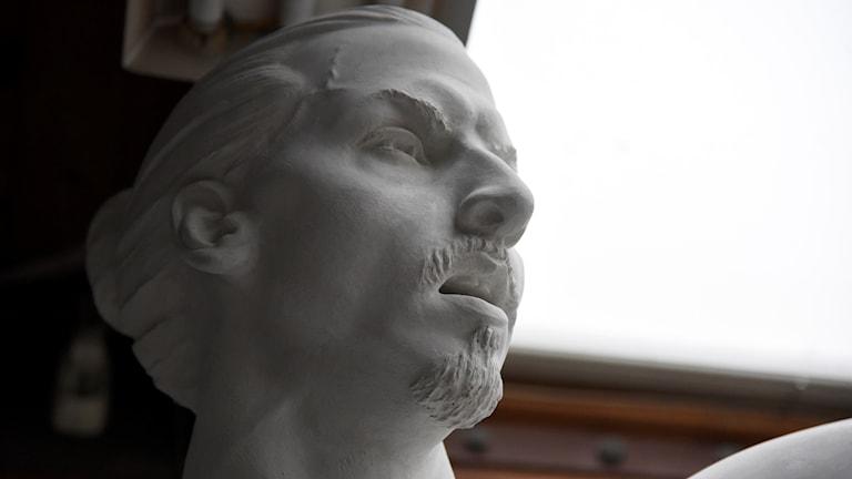 Statyn av Zlatan Ibrahimovic kommer till Malmö.