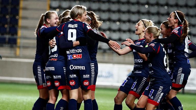 Linköping firar 2-0 mot Sparta Prag i Champions League i november 2017.