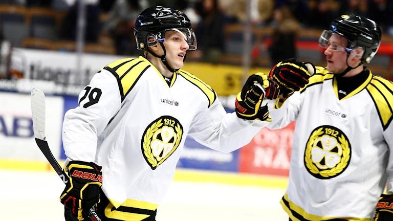 Daniel Mannberg gjorde 3-0 för Brynäs i första kvartsfinalmötet med Linköping.
