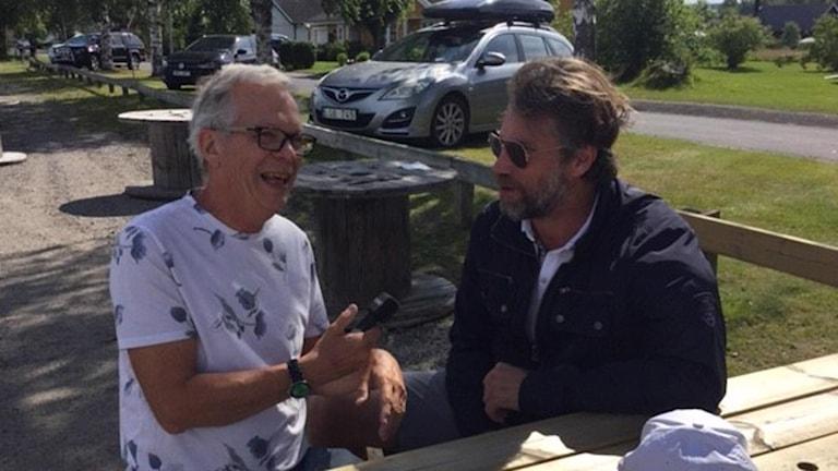 Christer Jonasson (t.v.) och Peter Forsberg.