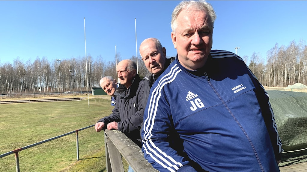 Johnny Gustavsson, Göran Hansson, Rolf Augustsson och Bengt Olsson vid Lövåsvallen i Billingsfors.